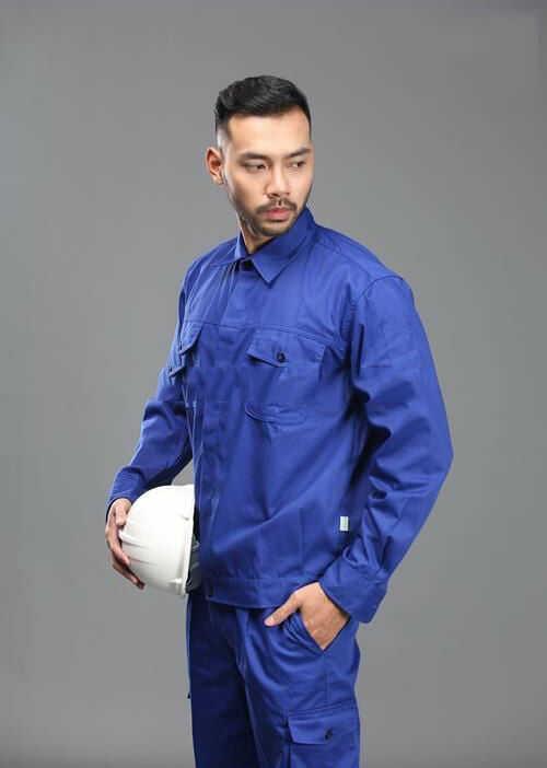 Mẫu quần áo bảo hộ công nhân xây dựng tại Đồng Phục Tiến Bảo.