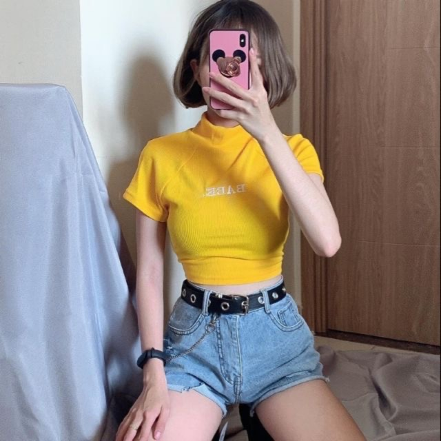 Áo croptop phối quần short jean