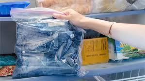 bỏ quần jean vào tủ lạnh