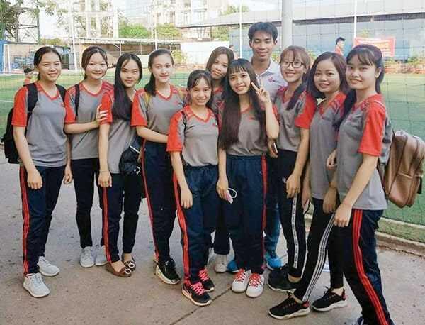đồng phục thể dục sinh viên trường Đại Học Công Nghiệp tphcm