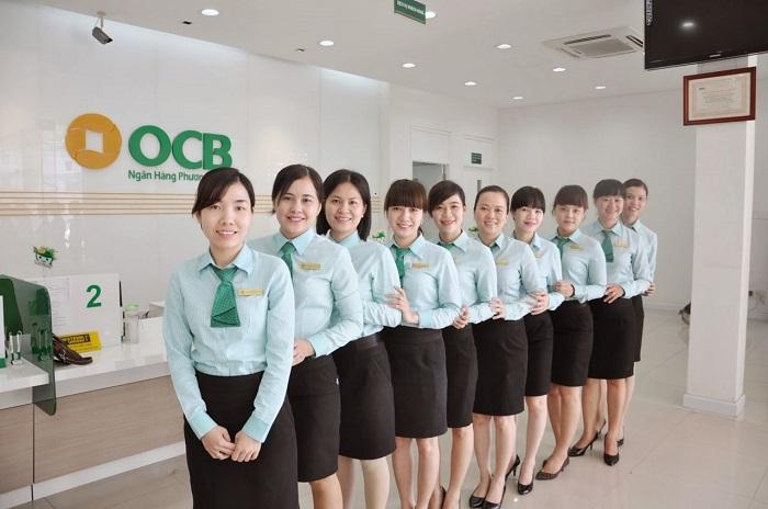 Kiểu áo sơ mi ngân hàng OCB