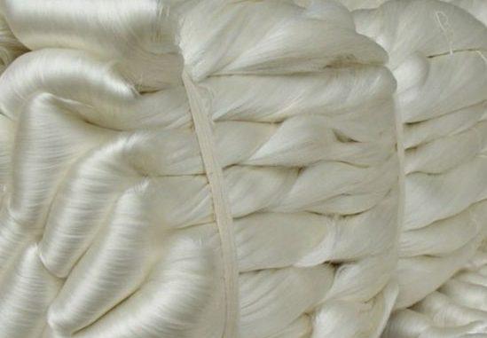 Sợi tơ tằm dệt vải